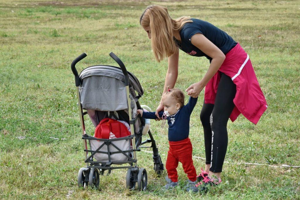 Десятый месяц ребенку Двигательная активность